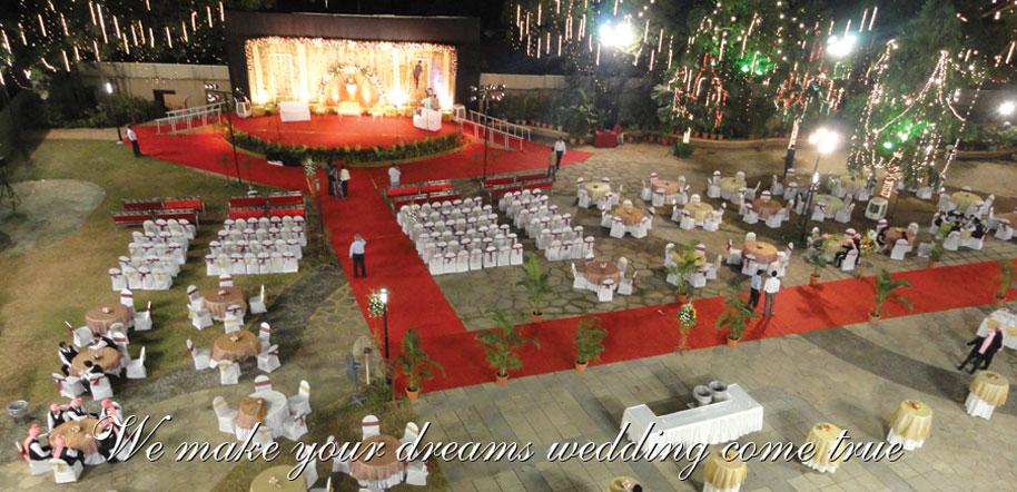 Decor In Mumbai Kavita Berry S House In Bandra Mumbai Inside Outside Indian Wedding Mandap