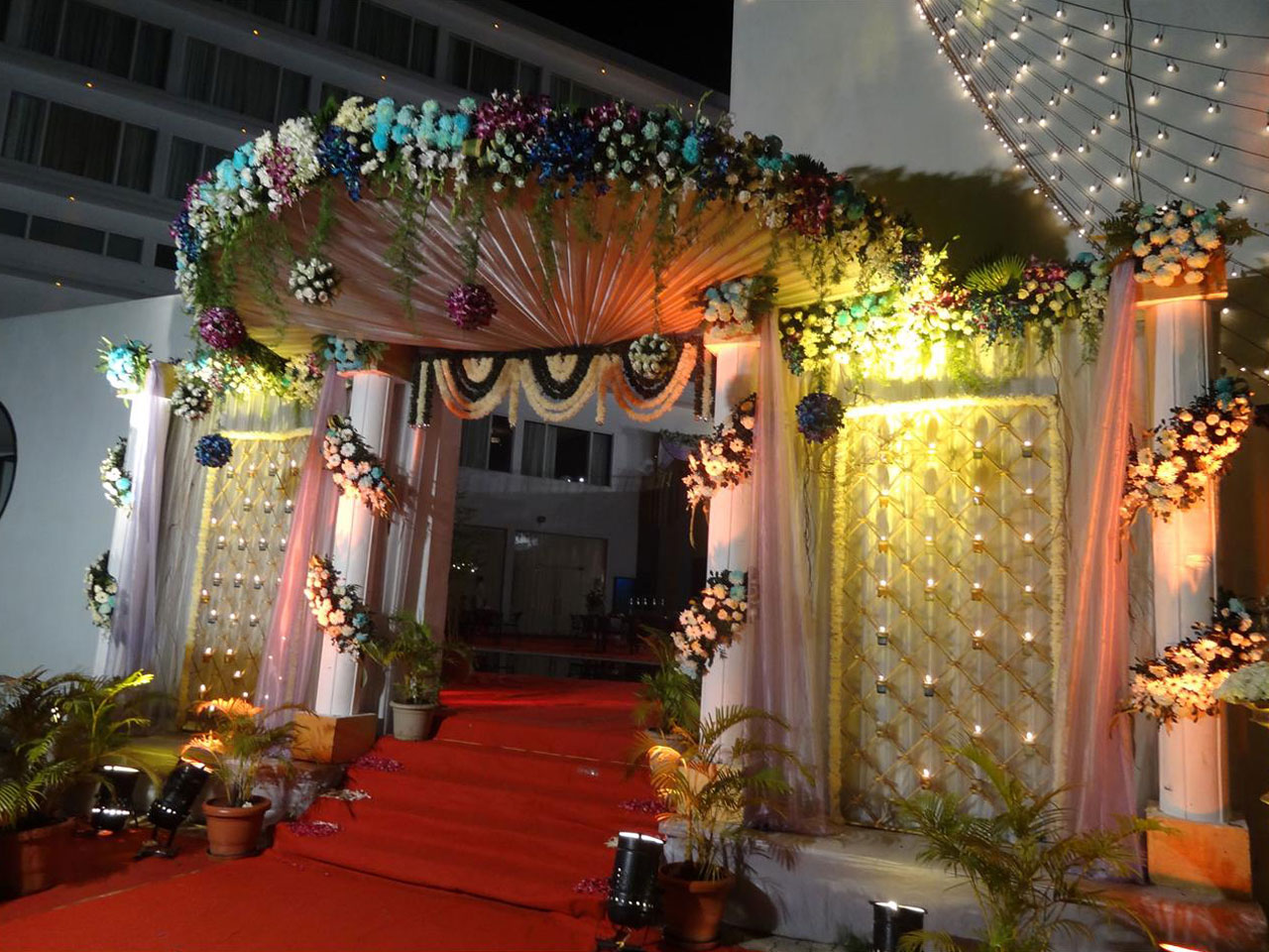 Mumbai Indian Wedding Reception Decorators And Planners Goa Beach Wedding Planning And Mandap